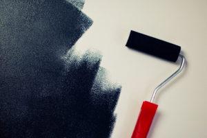 DIY schwarze Farbe und Roller